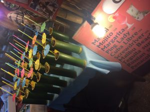 Cocktails im Bambus-Rohr