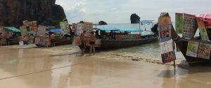 Longtailboat mit Garküche